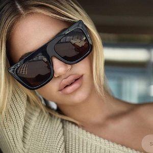 Quay cafe racer black/brown sunglasses NWT